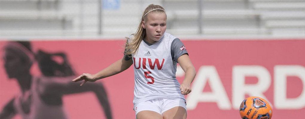 UIW soccer player runs down field